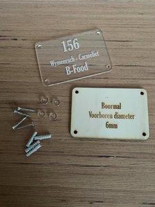Huisnummer in plexiglas