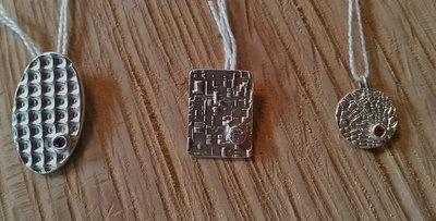 Zilveren hangers met zircoon